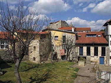 ptif_bt110-casas-nunha-vila