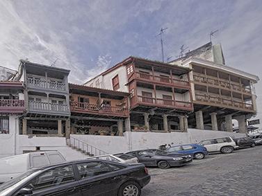 ptif_bt136-vivenda-dunha-vila-con-balcons
