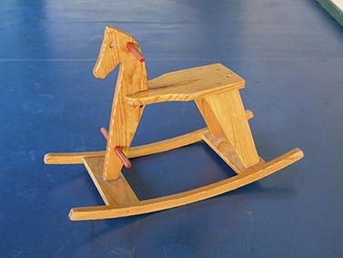 ptif_bt571-cabalo-de-madeira