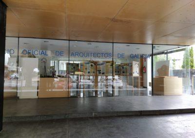 Vista exterior da exposición na Delegación do COAG de Lugo